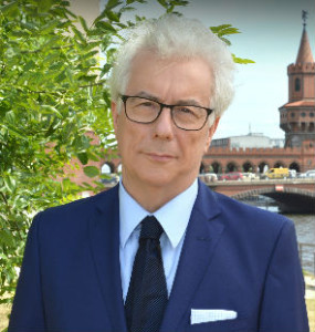 Ken Follett. Photo by Olivier Favre